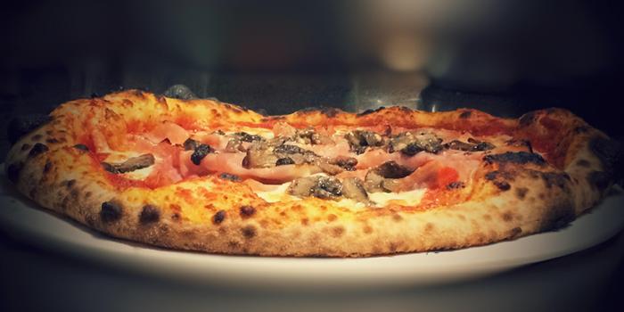 Pizza from Sfizio in Sukhumvit Soi 21, Bangkok