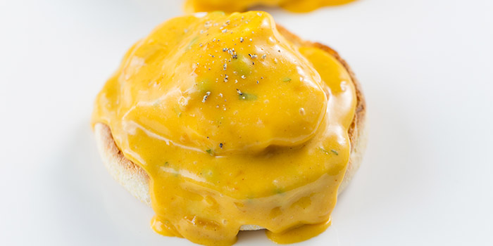 Poached eggs on muffin, coronation hollandaise, The Pawn, Wan Chai, Hong Kong