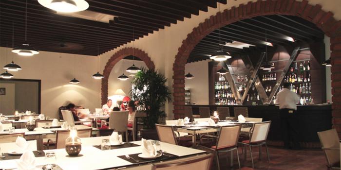 Restaurant Ambience of Toto Ristorante Italiano in Cherngtalay, Talang, Phuket, Thailand