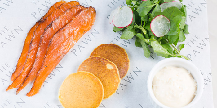 Treacle cured salmon, potato pancakes, horseradish, , The Pawn, Wan Chai, Hong Kong