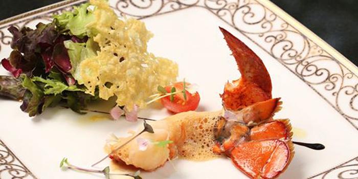 Half Of Canadian Lobster Salad from Le Vendome in Sukhumvit Soi 31, Bangkok
