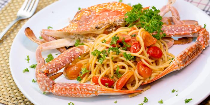 Mad Live Crab Spaghetti from Capri Noi Restaurant in Karon, Phuket, Thailand.