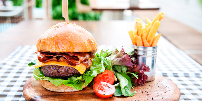 Signature Burger from Prive CHIJMES in City Hall, Singapore