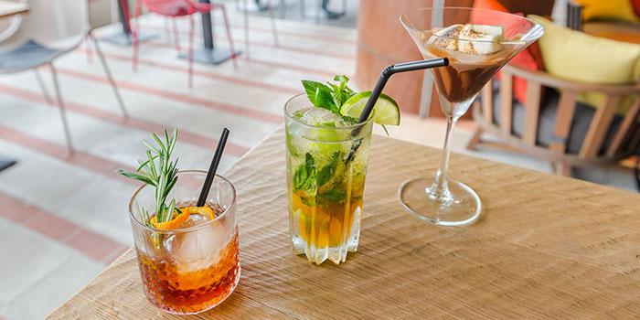 Beverages from Ricciotti (Riverwalk) in Clarke Quay, Singapore