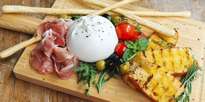 Burratae Prosciutto di Parma from Ricciotti (Riverwalk) in Clarke Quay, Singapore