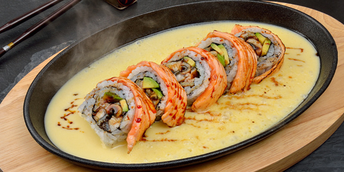 Salmon Roll from Tenyuu Sho at The Emquartier, Bangkok