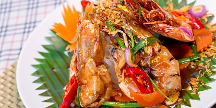 Tiger Prawns Sauteed in Tamarind Sauce from Capri Noi Restaurant in Karon, Phuket, Thailand.