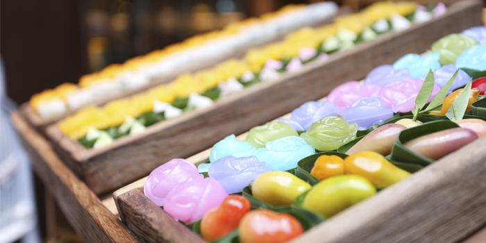 Buffet Line Thai Dessert Station from Goji kitchen + Bar at Bangkok Marriott Marquis Queen