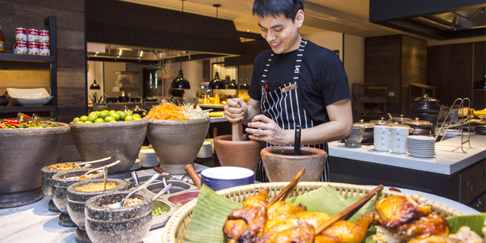 Buffet Line Thai Station from Goji kitchen + Bar at Bangkok Marriott Marquis Queen