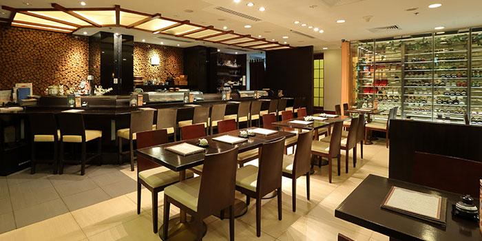 Dining Area of Kiraku in Raffles Place, Singapore