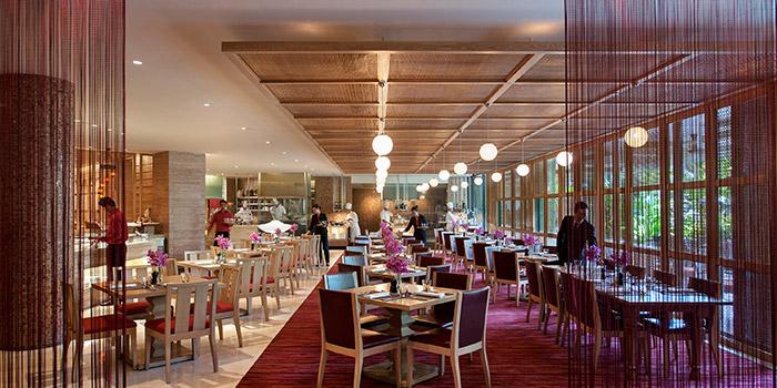 Dining Area of Melt Cafe at Mandarin Oriental in Marina Bay, Singapore