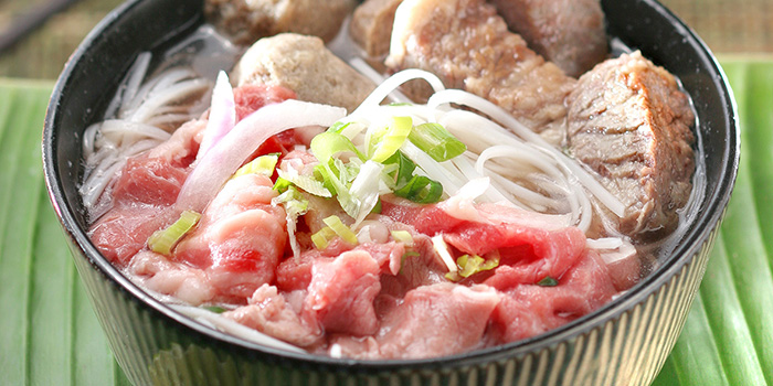 Pho Bo Bouillon with Flat Noodles and Raw Beef, Cafe Allegro, Tsim Sha Tsui, Hong Kong