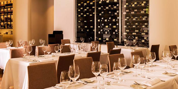 Interior of 28Wilkie Italian Restaurant & Caviar Bar in Dhoby Ghaut, Singapore
