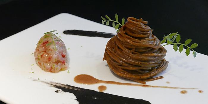 Black Tea Tagliolini with Red Prawns, L