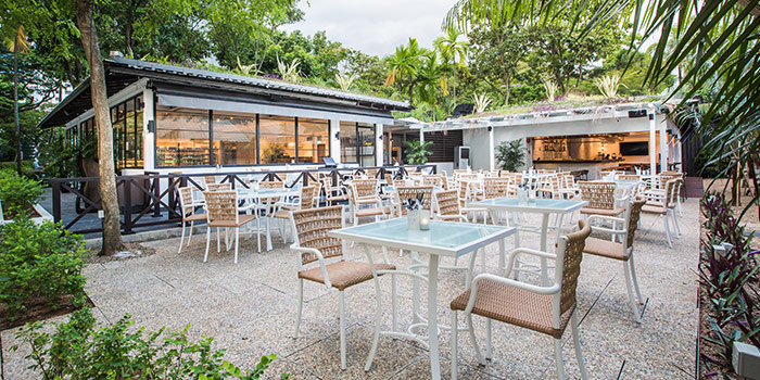 Outdoor Dining at Canopy Garden Dining in Bishan, Singapore