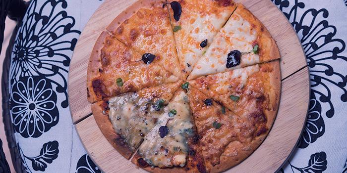 Four Cheese Pizza, Eatbar, Stanley, Hong Kong