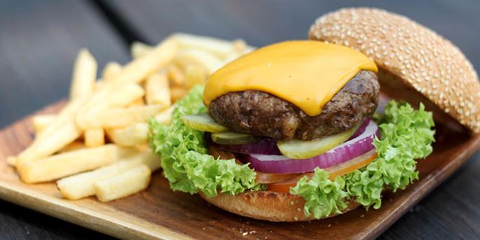 Cheeseburger from Handlebar @ Gillman Barracks in Telok Blangah, Singapore