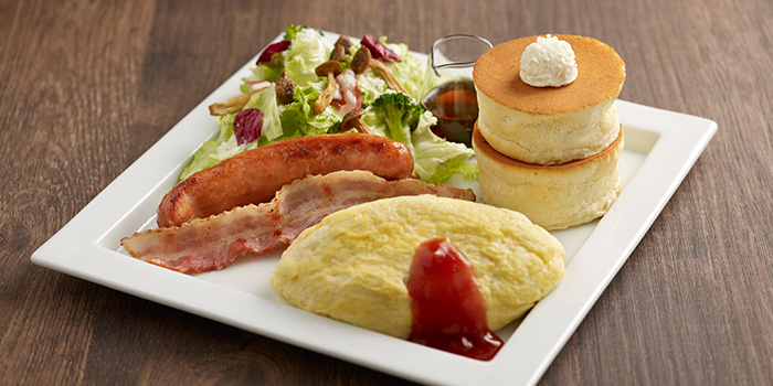 Pancake and Omu Souffle from Hoshino Coffee (Plaza Singapura) in Dhoby Ghaut, Singapore
