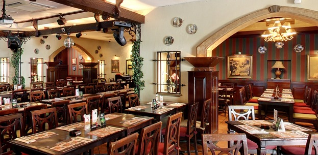 Interior 2 at Pisa Kafe