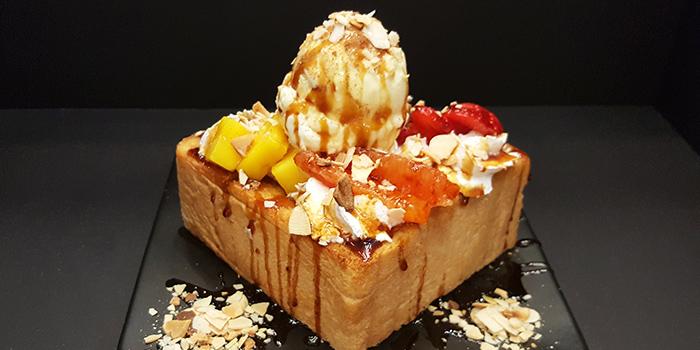 Strawberry and Ice Cream Toast from Nunsaram in Serangoon Gardens in Serangoon, Singapore