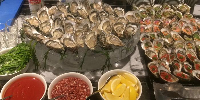 Oysters Selection from The Rain Tree Café at Plaza Athénée Bangkok, A Royal Meridien Hotel, Bangkok