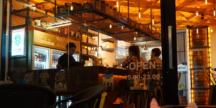 Restaurant Atmosphere of BrewBridge Craft BEER in Cherngtalay, Phuket, Thailand.