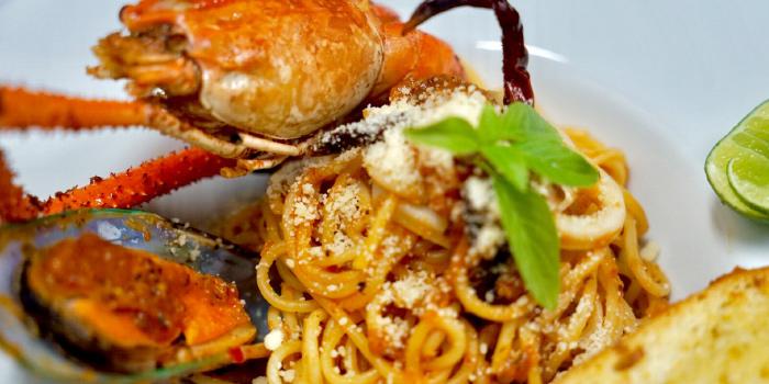 Seafood Spaghetti from BrewBridge Craft BEER in Cherngtalay, Phuket, Thailand.