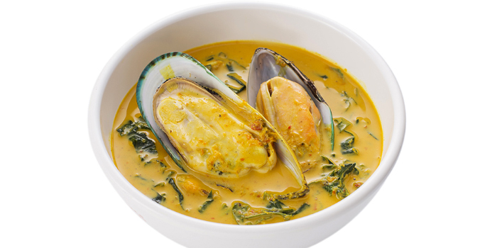 Steamed New Zealand Mussel with Coconut Milk from Tumrhap Phuket & Southern Restaurant in Maung, Phuket, Thailand
