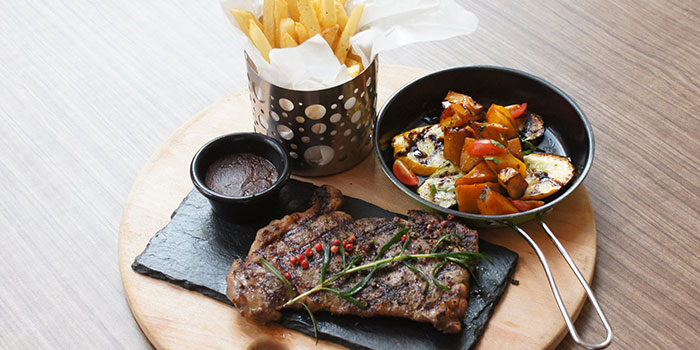 Steak and Fries from The Wallich.Grill.Bar.Lounge in Tanjong Pagar, Singapore