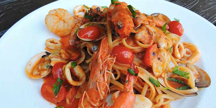 Linguine Fruitti di Mare from Bella Pizza in Robertson Quay, Singapore