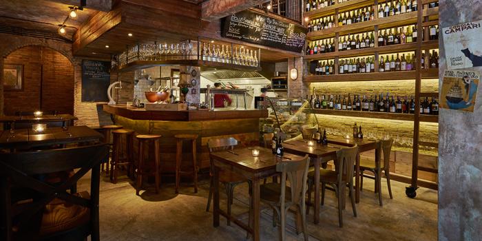 Dining Area from Cantina Wine Bar & Italian Kitchen in Soi Ari 3, Bangkok