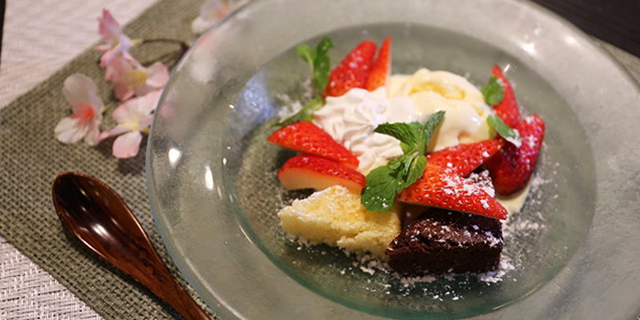 Strawberry Dessert from Inaniwa Yosuke in Wisma Atria Shopping Centre in Orchard Road, Singapore