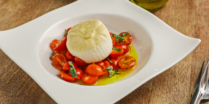 Smoked Burrata from Cantina Wine Bar & Italian Kitchen in Soi Ari 3, Bangkok
