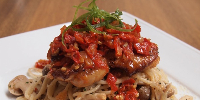Spaghetti Grill Chicken Balado at Buns & Meat Bali