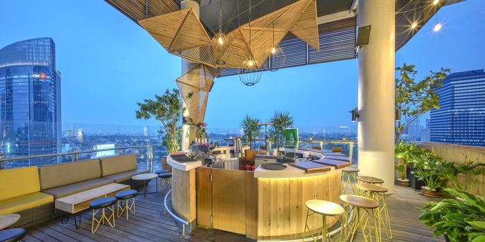 Bar at Skyloft All Seasons Thamrin
