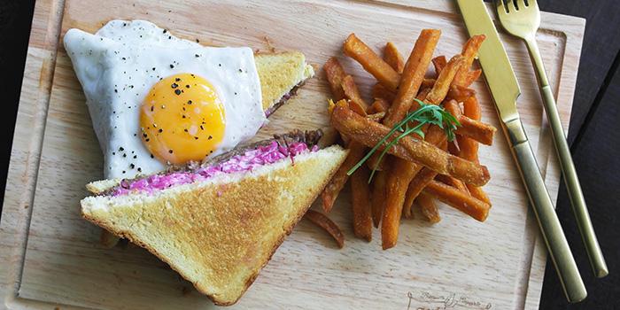 Duck Confit Sandwich from Arteastiq Boutique Tea House in Orchard, Singapore