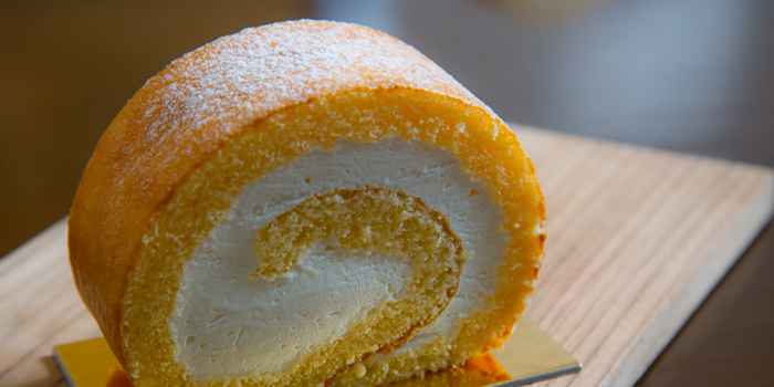 Vanilla Roll Cake from Hanuman Bar at Siam Kempinski Hotel, Bangkok