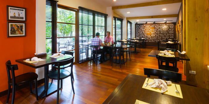 Dining Area from Crepes & Co. Thonglor Soi 9 at 9:53 Community Mall in Sukhumvit Soi 53, Bangkok
