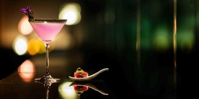 Cocktails at VIEW (Fairmont Hotel)
