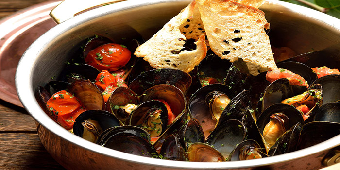 Sauteed Italian Mussel with Cherry Tomato and Vernacia Wine, Alto 88, Causeway Bay, Hong Kong