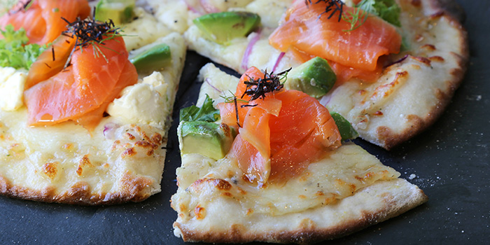 Avocado Salmone Pizza from Barnacles at Customs House in Fullerton, Singapore
