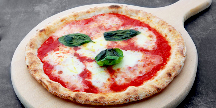 Margherita Pizza from Five Nines (999.99) at Cuppage Plaza in Orchard, Singapore
