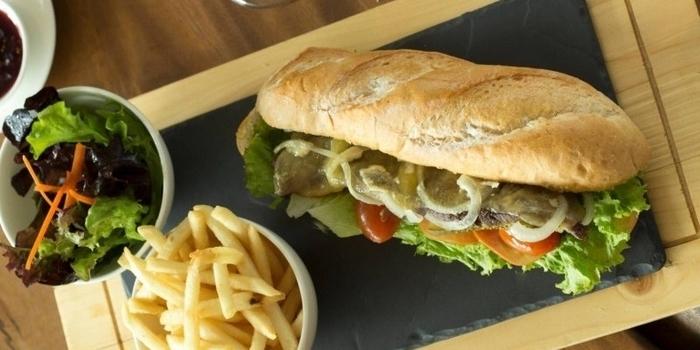 Beef Steak Sandwich at Botany, Jakarta