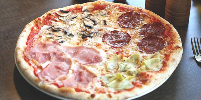 Pizza from Al Borgo @ Alocassia Apartments in Bukit Timah, Singapore