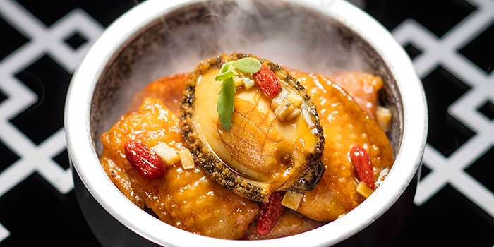 Abalone and chicken with sand ginger in casserole, Man Wah, Central, Hong Kong