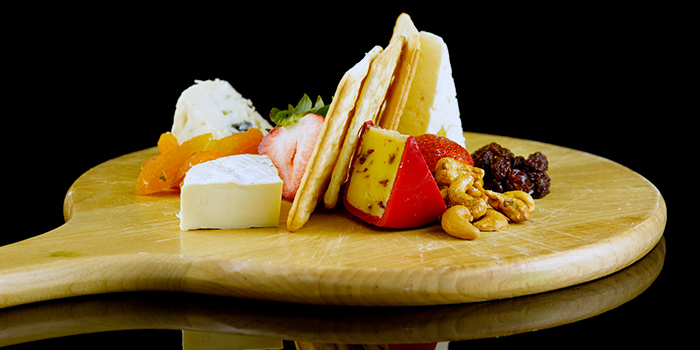 Cheese Platter in Thai Sauce from Propeller at The Bay Hotel in Harbourfront, Singapore