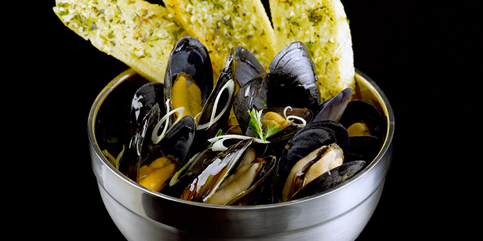 Blue Mussels in Thai Sauce from Propeller at The Bay Hotel in Harbourfront, Singapore