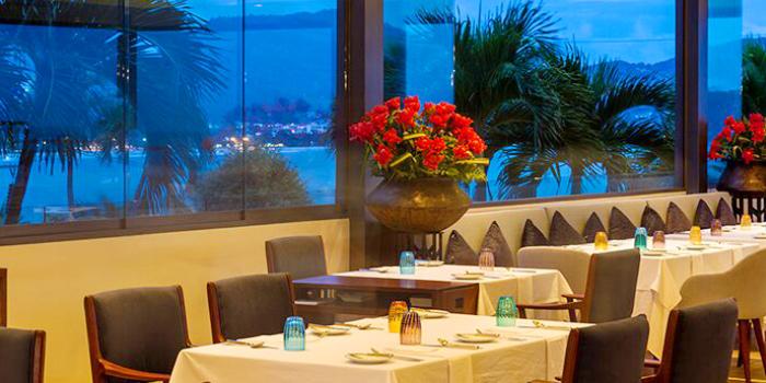 Restaurant Atmosphere of etHo