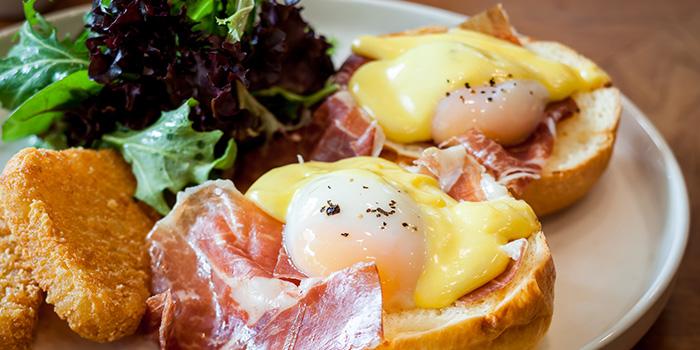 62°C Eggs Benedict from PORTA in Park Hotel Clarke Quay in Robertson Quay, Singapore