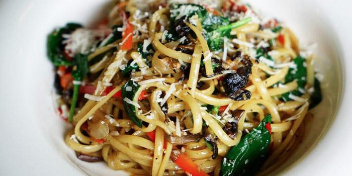 Vegetarian Aglio Olio from Artistry in Bugis, Singapore